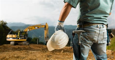 contractor consults what is a construction consultant with pictures