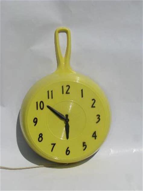 schip laurel turning yellow vintage butter yellow plastic kitchen frying pan skillet