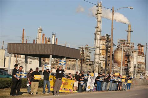 Cosabella Strikes Deal To Produce And The City by Union Energy Companies Make Strike Preparations Houston