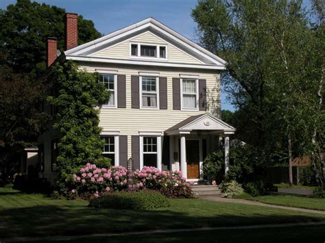 renowned architect gardener spruce up milford colonial
