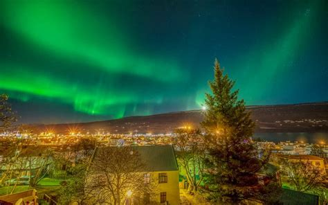 iceland northern lights march 2018 the best places to see the northern lights in march 2018