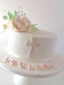 bundles of 6 sweet christening cake ideas