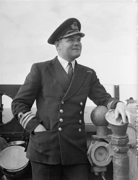 Hanz Nevy donald macintyre royal navy officer