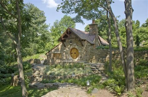 10 Amazing Buildings Inspired By Tolkien Esque Hobbit Homes Hobbit Cottage House Plans