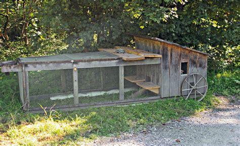 come costruire una gabbia per galline piccolo pollaio mobile per 4 5 galline vita in cagna