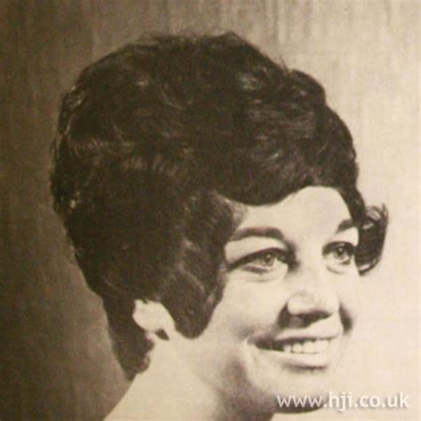 1960s hairstyles history in ireland 1960s bouffant bob hairstyle