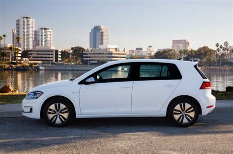 does the bolt really have more range than tesla motors 2017 volkswagen e golf review the torque report