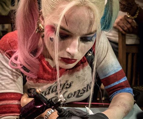 did margot robbie tattoo her suicide squad director on margot robbie tattoos suicide squad director david ayer in