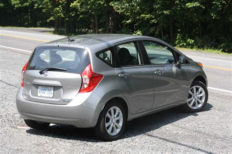 nissan versa 2014 2014 nissan versa hatchback pictures information and