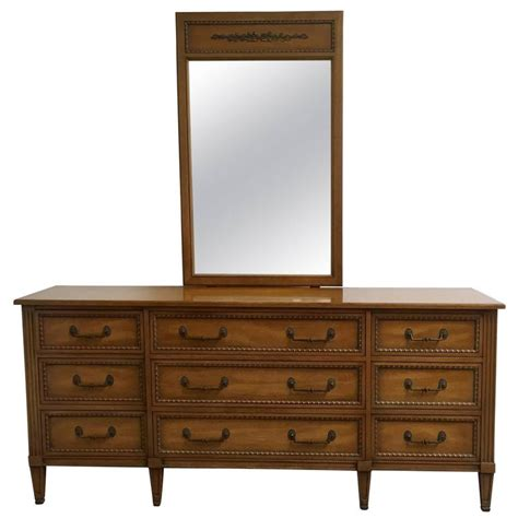 vintage henredon bedroom furniture henredon regency style dresser with mirror at 1stdibs