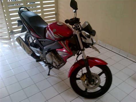 Yamaha Vixion 2011 Km 19xx wts yamaha vixion th 2011 warna merah km 3rb ban
