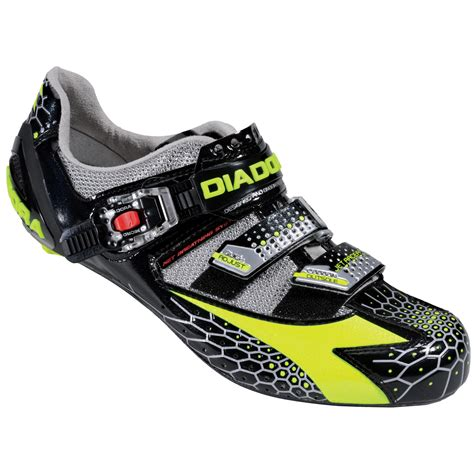 best biking shoes looking for the best cycling shoes to fit your budget