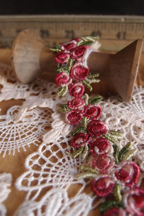 Red Roseoral Embroidered Lace Trim