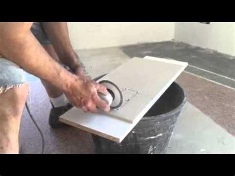 tagliare piastrelle gres porcellanato tagliare piastrelle con seghetto alternativo l unghiatura