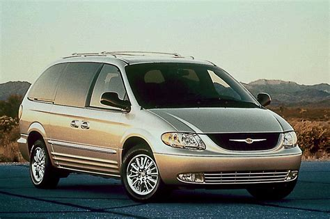 Chrysler Town And Country Rebates by 2001 04 Chrysler Town Country Consumer Guide Auto