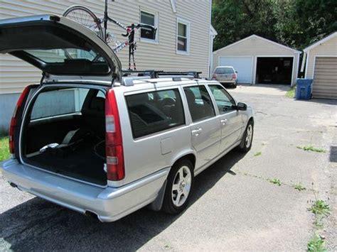 find   volvo   awd wagon  door   grand rapids michigan united states