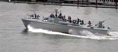 pt boat images file motor torpedo boat pt 658 jpg wikimedia commons