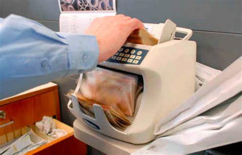 tutela consumatori banche banche crollo azioni movimento consumatori puglia tutela