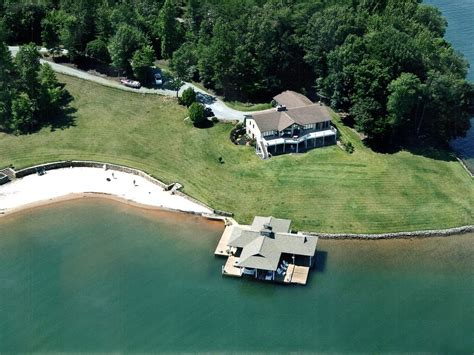 smith mountain lake rentals with boat dock smith mountain lake beach retreat homeaway