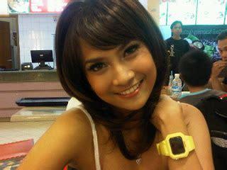 Kaos Kekinian Perempuan Semua Wanita Cantik Lahir Maret daftar artis cewek paling manis di indonesia berita info