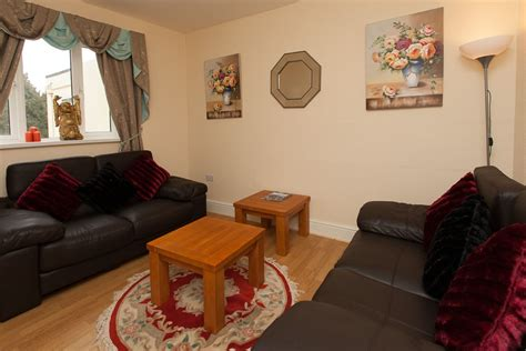 1 bedroom flat housing benefit rooms at the elmington torquay