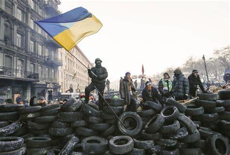 imagenes que lloran en ucrania yanuk 243 vich destituye al alcalde de kiev que autoriz 243 la