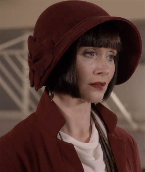 is that essie davis real hair on mrs fisher mysteries closeup on phryne s dark red cloche hat in series 1