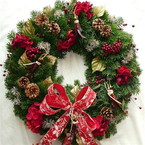 hot hot hot christmas wreath scottish christmas trees