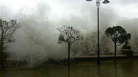 libreria alba fisciano maltempo sul salernitano mareggiata distrugge muro nel