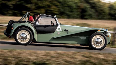 caterham car wallpaper hd caterham seven sprint 2016 uk wallpapers and hd images