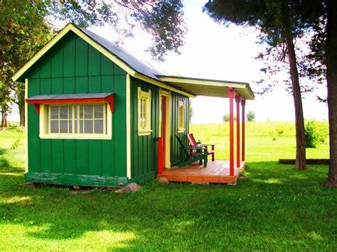 tiny farmhouse c coyote tiny houses tiny house swoon