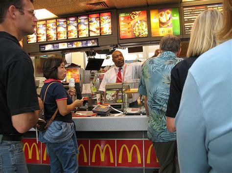 Mba Working At Mcdonalds by Openingstijden Mcdonald S Rhijnspoor 299 In Capelle Aan