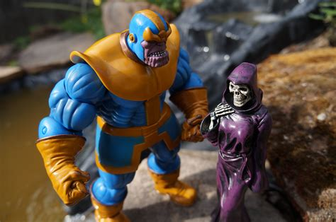 awesome toy picks marvel select thanos comic vine