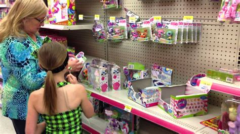 lps houses walmart shopping for lps toys littlest pet shop at walmart youtube
