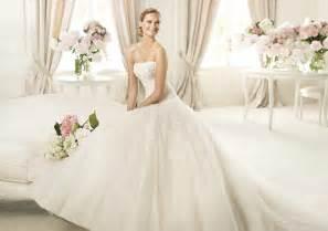 Famous brand pronovias features 2013 wedding dresses collection
