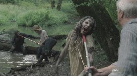Tv Recap Walking Dead 2 7 Pretty Much Dead Already Walking Dead Barn Door