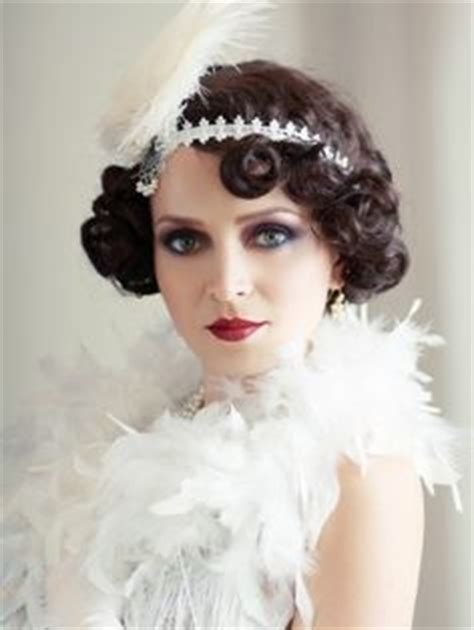 2 gorgeous gatsby hairstyles for halloween or a wedding best 25 roaring 20s hair ideas on pinterest flapper