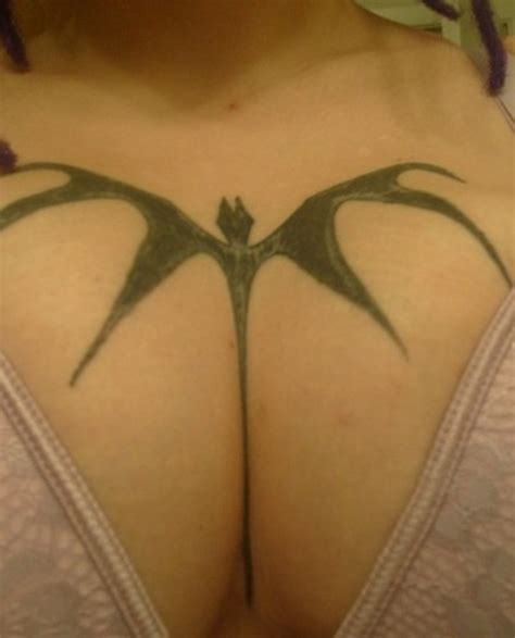 easy tattoo bat simple bat tattoo on chest for women tattooshunt com