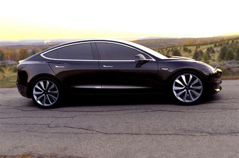 Starting Price For Tesla Tesla Unveils Model 3 Promising 35 000 Starting Price