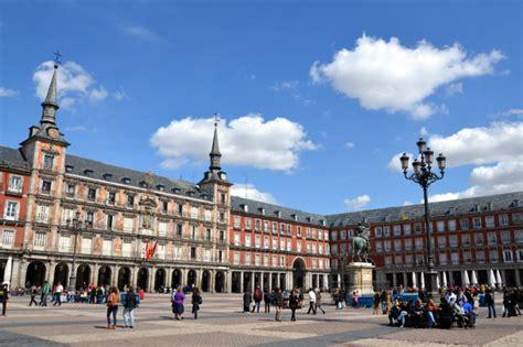 tour pic madrid free walking tour old town ogo tours madrid