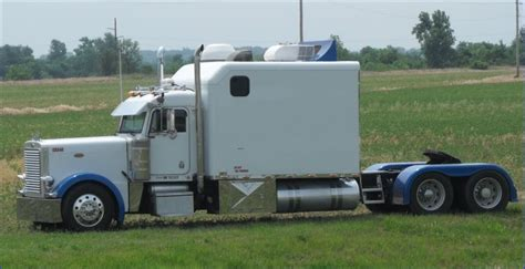 Semi Trucks With Big Sleepers For Sale by Peterbilt 379 Big Une Grande Cabine Big Sleeper