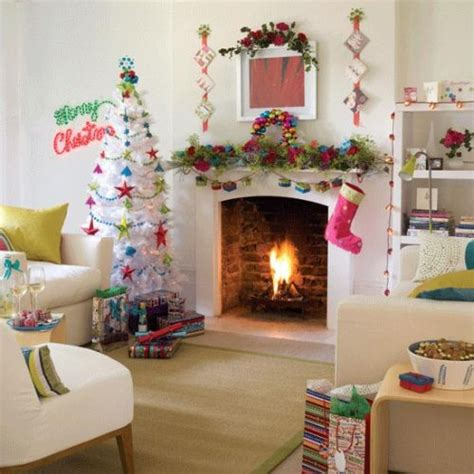 christmas decorated rooms 8 classy christmas tree decorating ideas