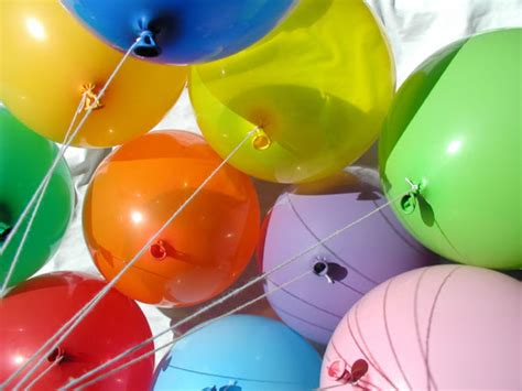 wallpaper cantik balon gambar gambar balon dengan warna warni cantik