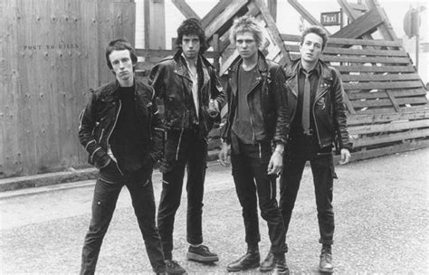 Kaos Band The Clash Exclusive unseen footage of the clash s 1977 new year s