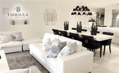 decoracion comedor salon chandelier negro blanco mesa tarraula
