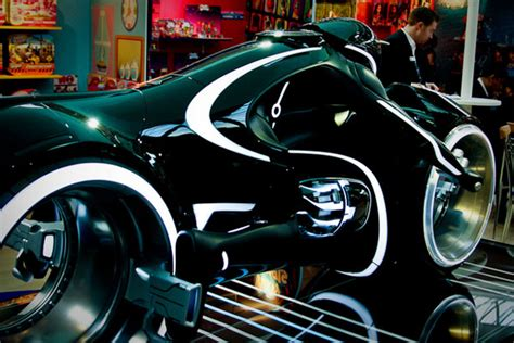 Tron Legacy Motorrad by Localriders New Tron Bike Pictures