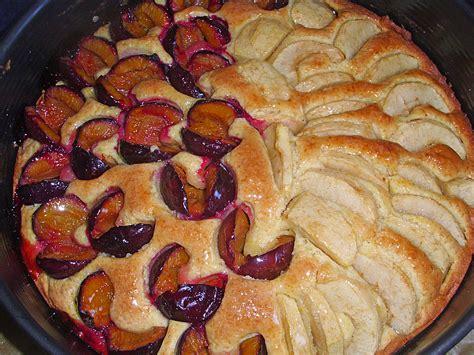 kuchen mit pflaumen kuchen mit joghurt und pflaumen rezepte zum kochen
