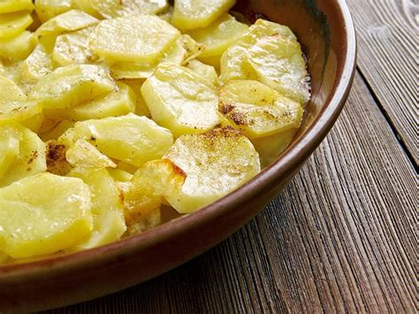 sos cuisine com scalloped potatoes