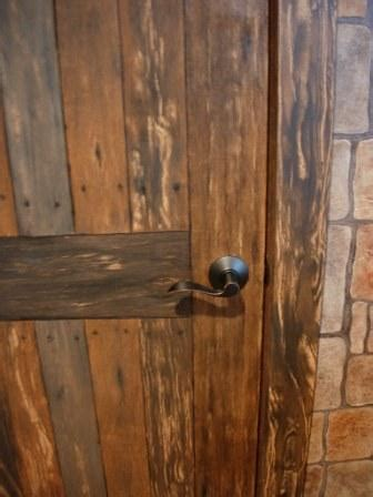 how to faux paint wood grain faux wood painting wine cellar door