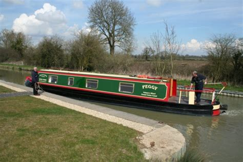 boat mooring lines uk a guide to how to use mooring lines for springing canal